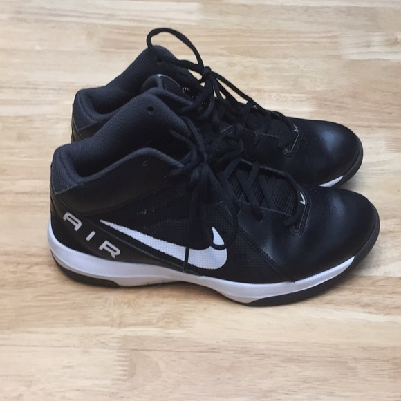 le scarpe nike di colore bianco eccellenti condizioni poshmark w